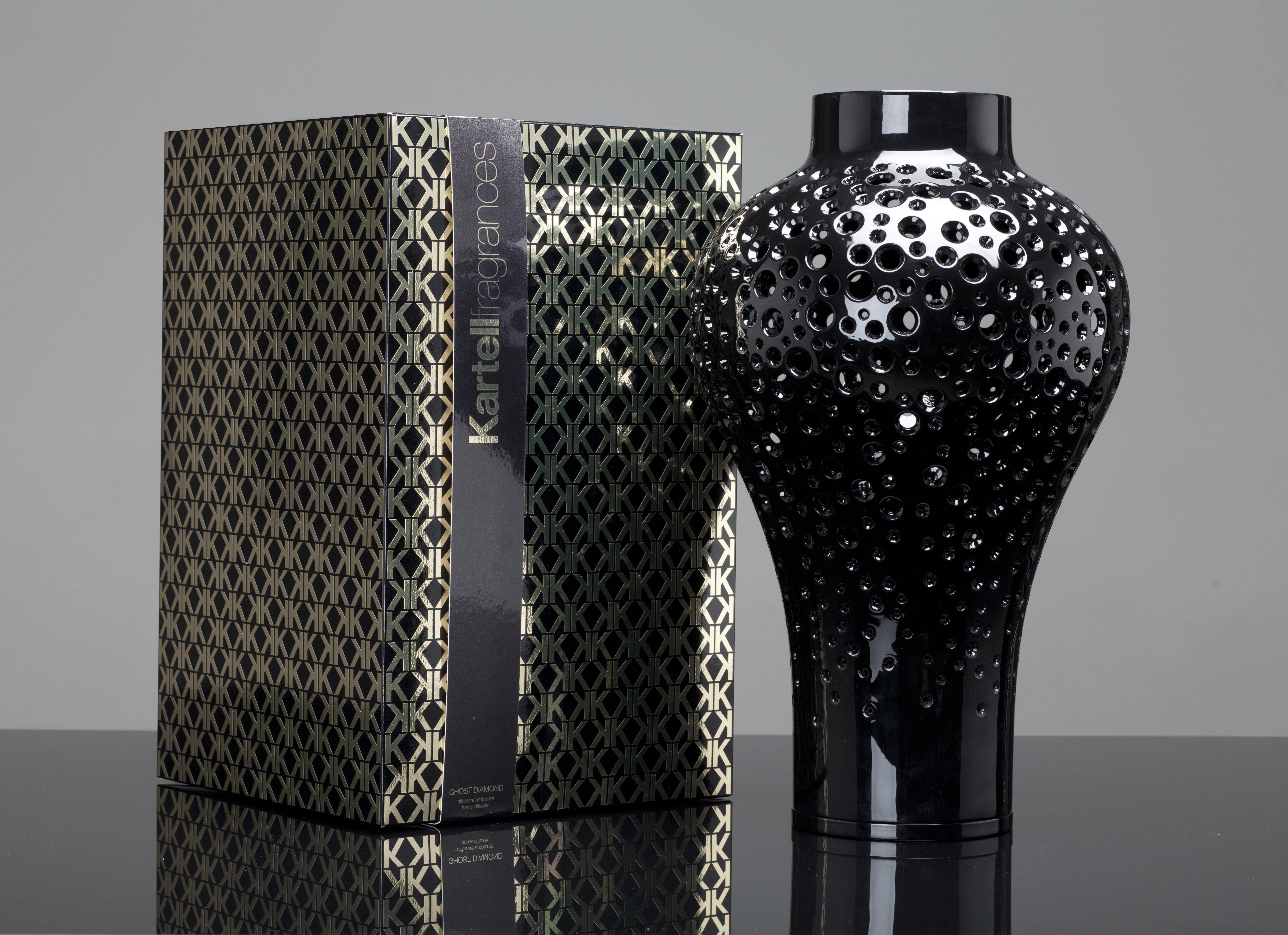 diffuseur de parfum ming kartell fragrances avec b tonnets noir senteur 39 noir 39 kartell. Black Bedroom Furniture Sets. Home Design Ideas