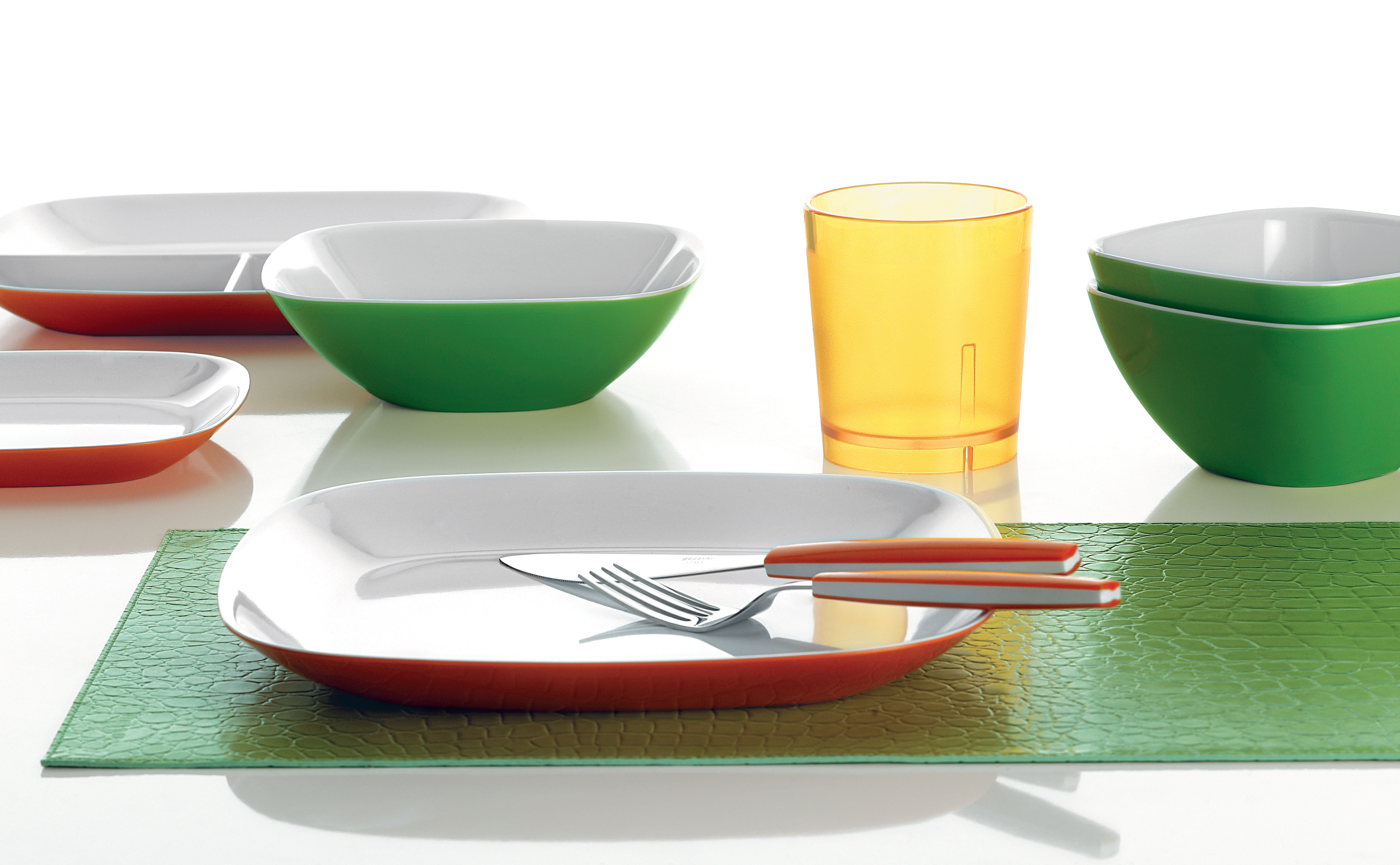 feeling kitchen cupboard   pieces of cutlery green by guzzini - zoom