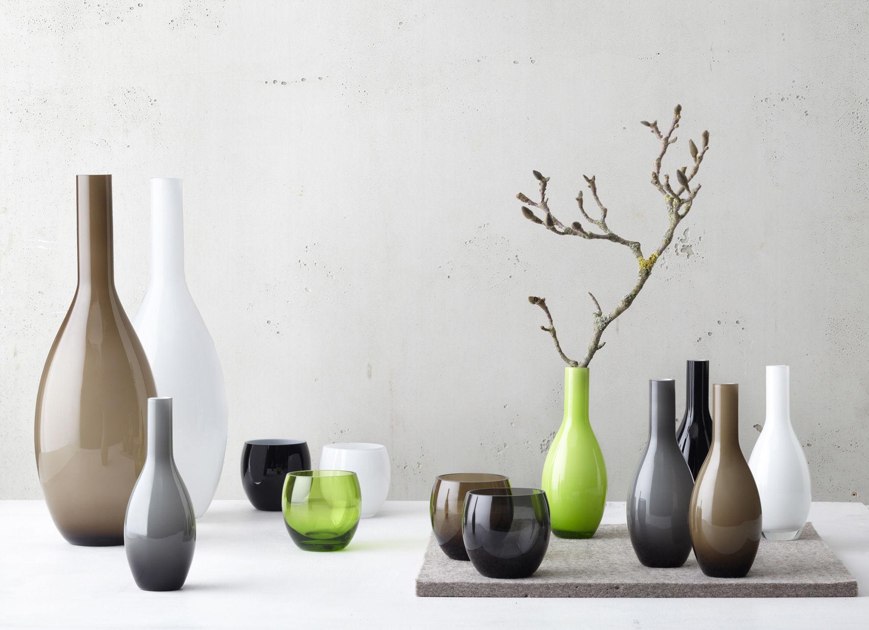 Scopri Vaso Beauty -/ H 18 cm, Nero di Leonardo, Made In Design Italia
