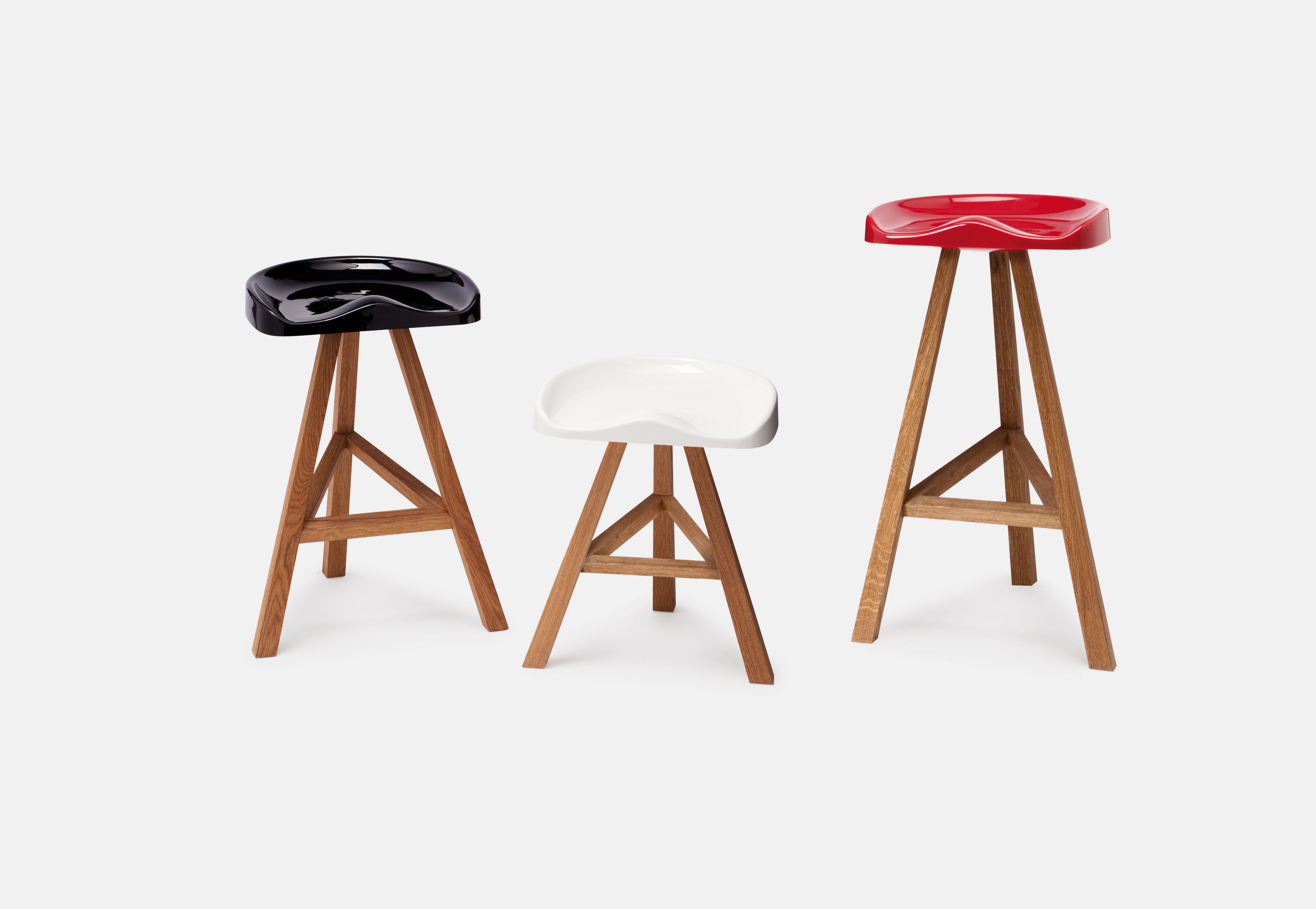 tabouret de bar heidi h 65 cm plastique bois noir established sons. Black Bedroom Furniture Sets. Home Design Ideas