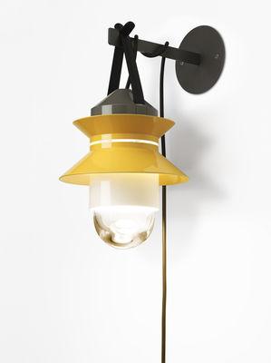 lampe santorini baladeuse suspendre jaune moutarde gris marset made in design. Black Bedroom Furniture Sets. Home Design Ideas