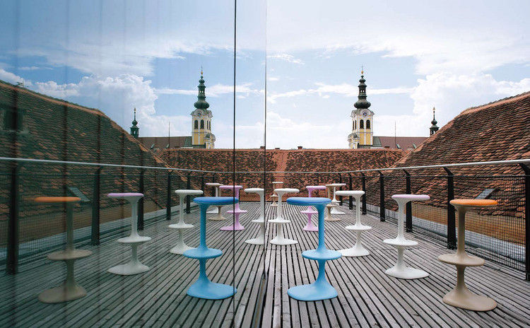 Kant Bar stool - H 79 cm - Plastic White by Casamania
