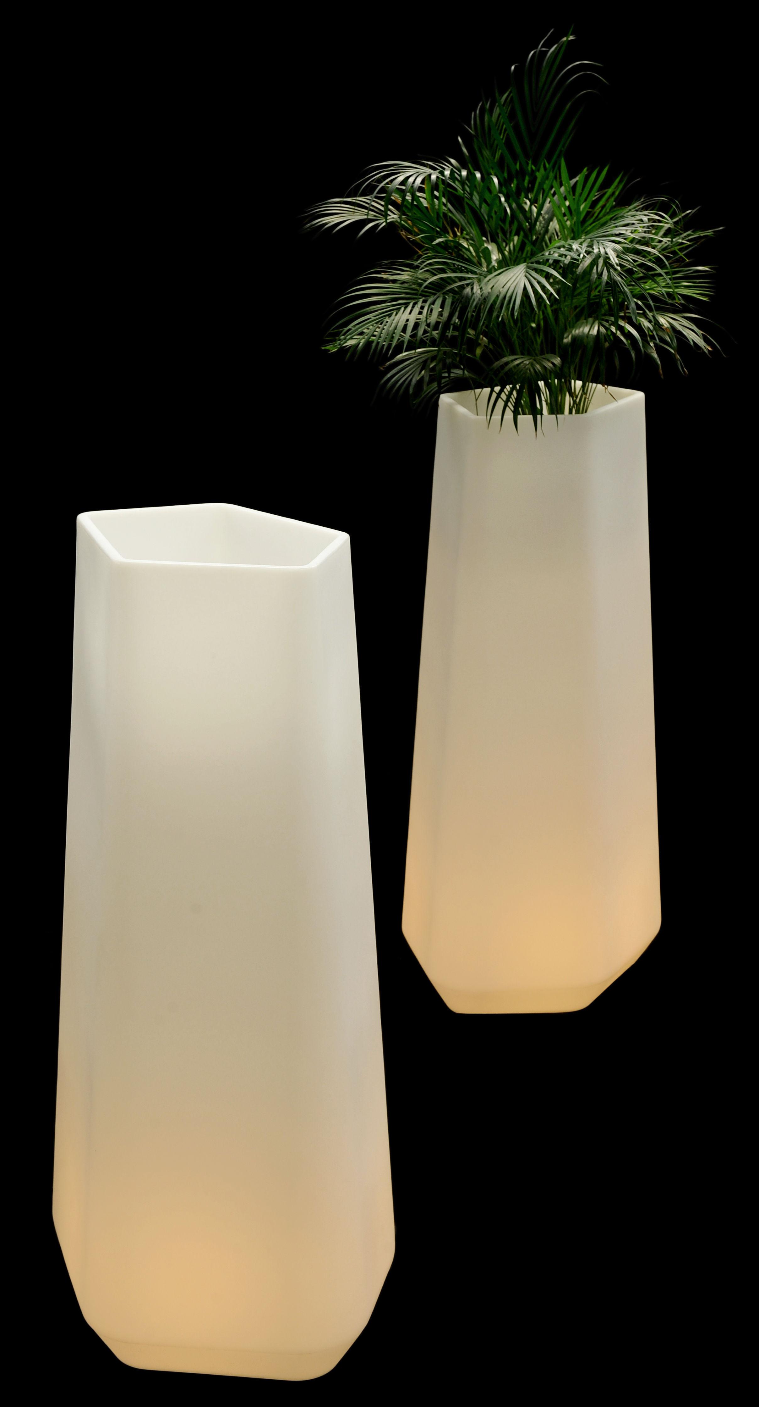 cache pot lumineux rock garden lumineux indoor h 136 cm pour l 39 int rieur translucide qui est. Black Bedroom Furniture Sets. Home Design Ideas