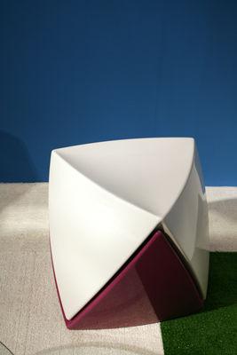 tabouret empilable mr lem laqu plastique noir laqu myyour. Black Bedroom Furniture Sets. Home Design Ideas