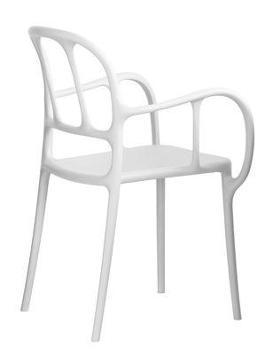 Foto Poltrona impilabile Milà / Plastica- Magis - Bianco - Materiale plastico