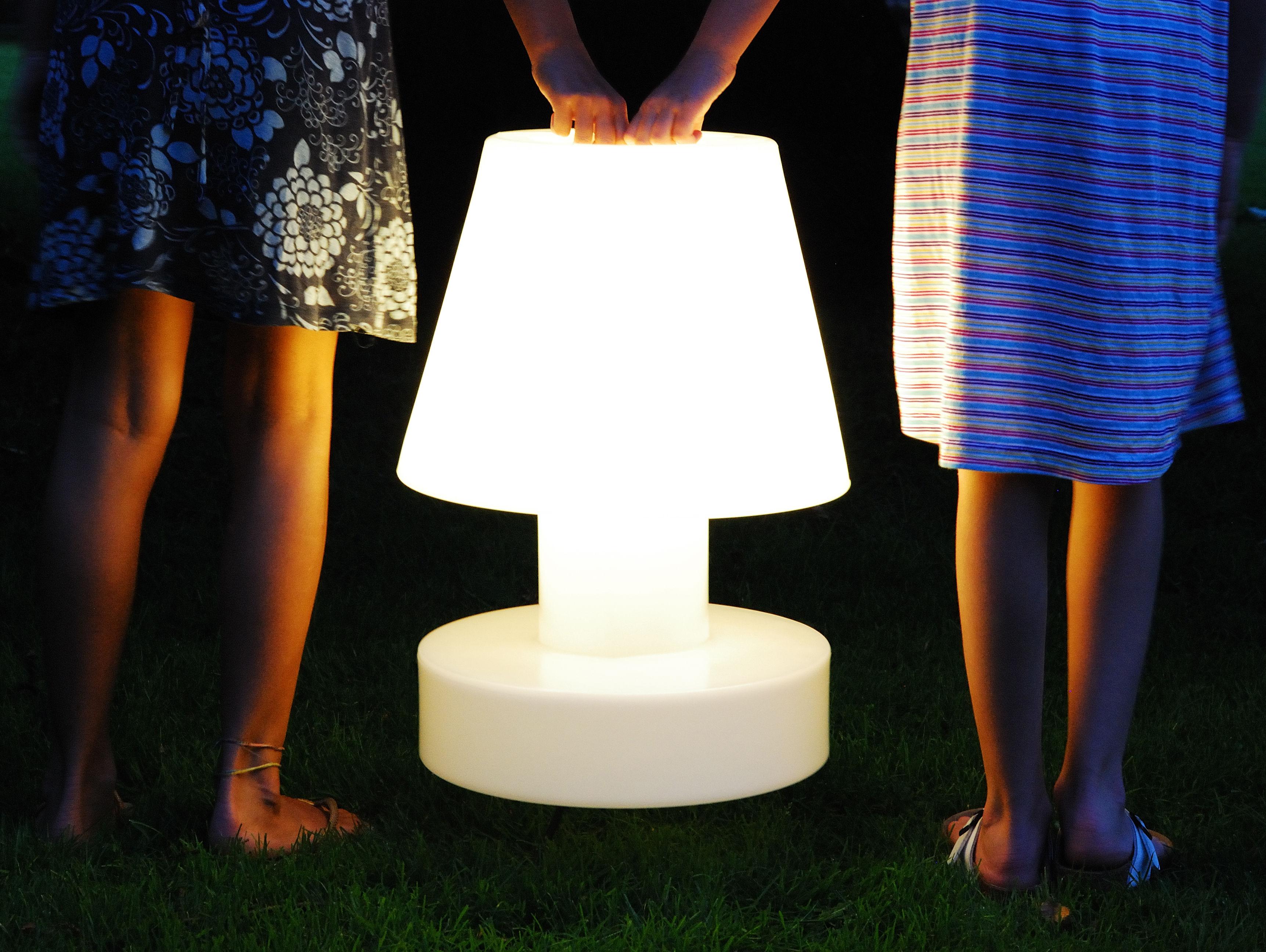Lampe sans fil rechargeable h 56 cm violet h 56 cm for Luminaire exterieur rechargeable