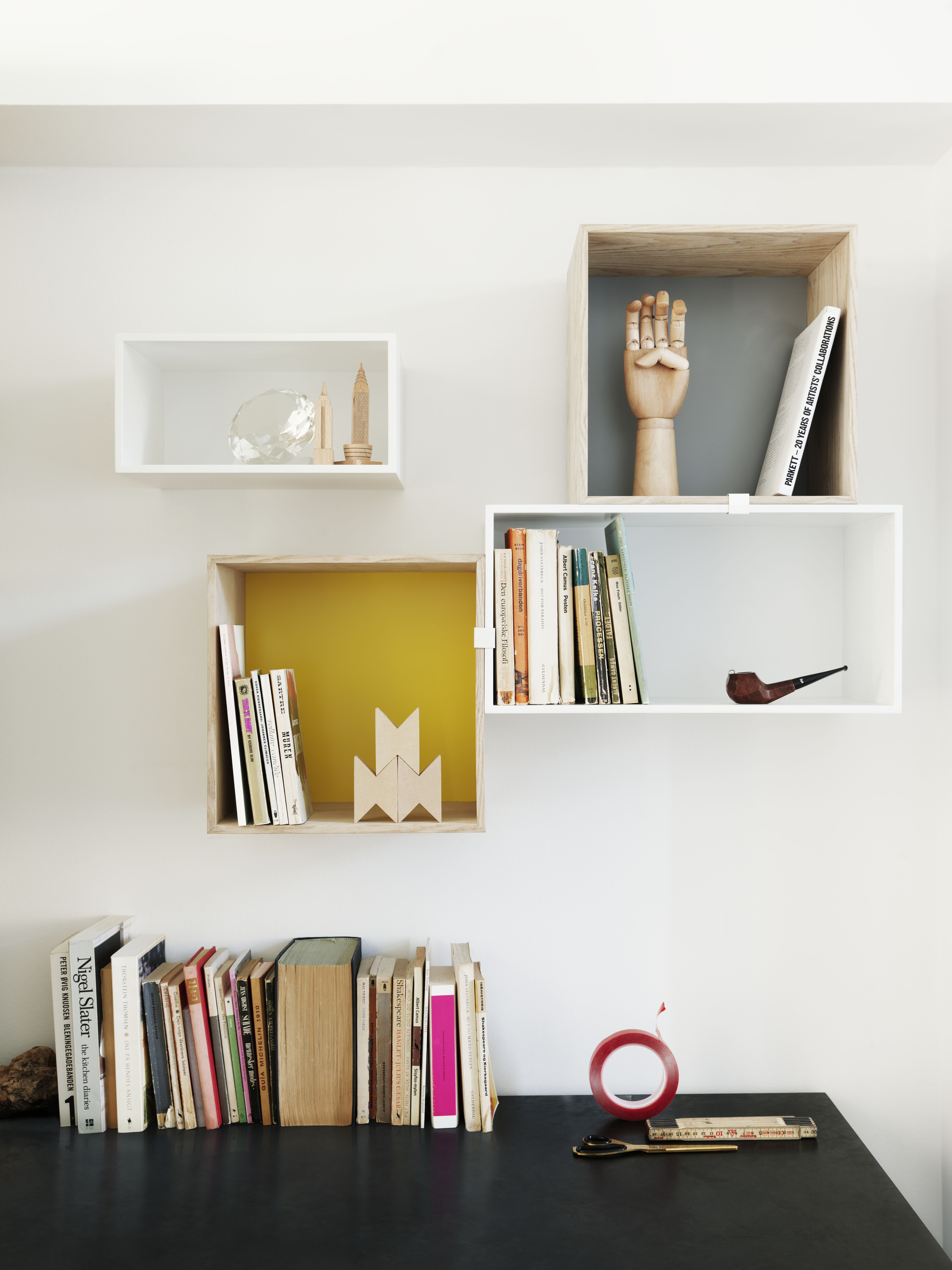 etag re mini stacked medium carr 33x33 cm avec fond color fr ne fond jaune muuto. Black Bedroom Furniture Sets. Home Design Ideas
