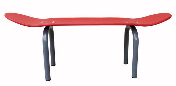 banc skate board l 80 cm rouge pieds gris le ons de choses. Black Bedroom Furniture Sets. Home Design Ideas