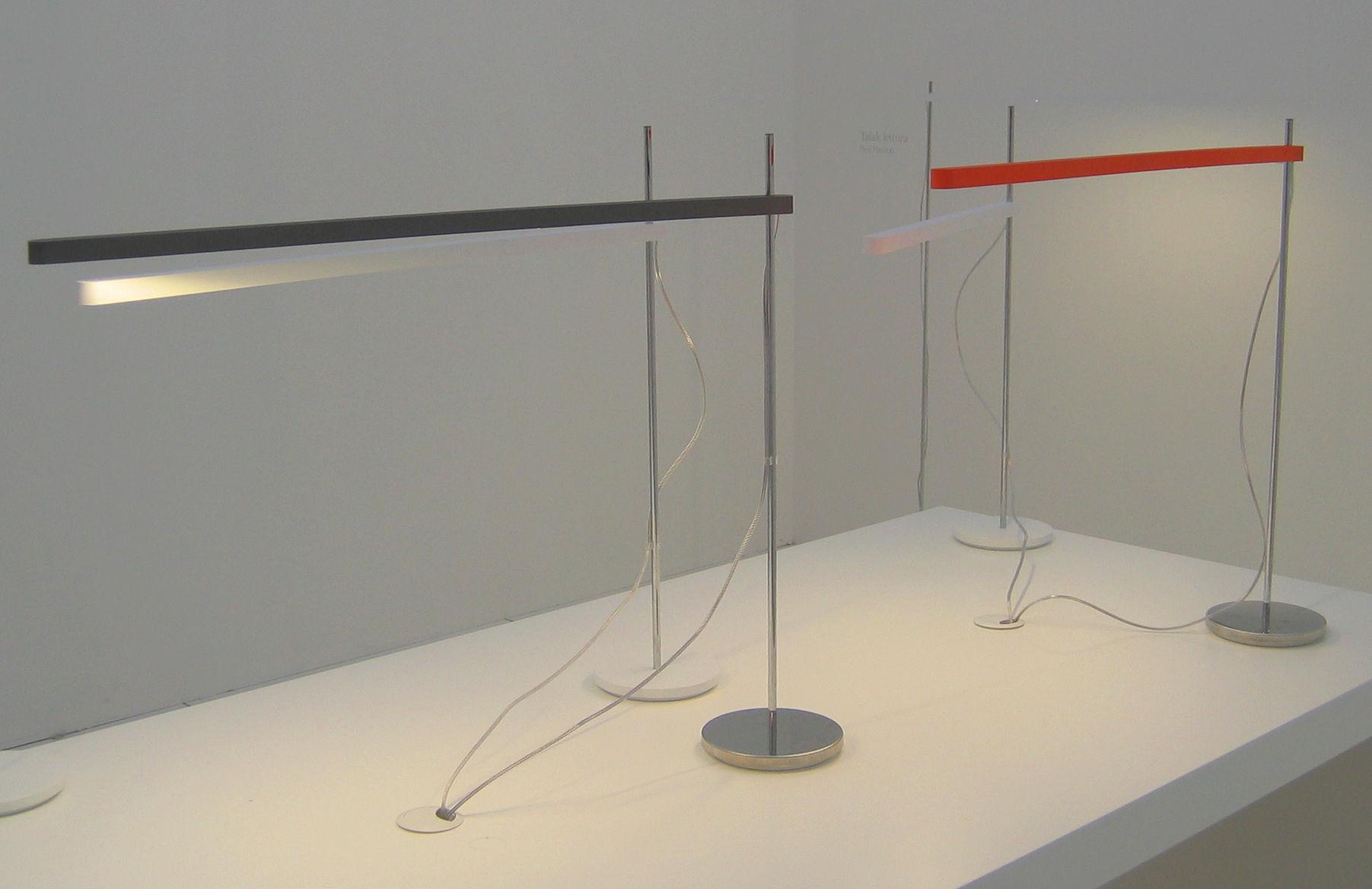 Scopri Lampada Da Tavolo Talak Tavolo Fluo, Bianco   Cromo Di Artemide,  Made In Design Italia