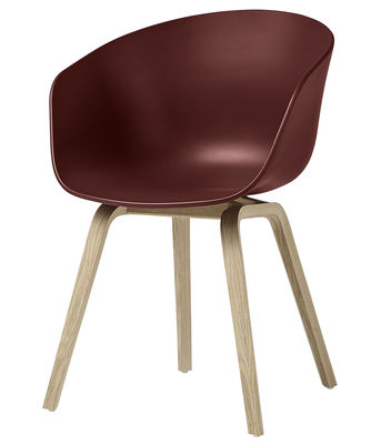 Poltrona About a chair AAC22 / Plastica & gambe legno - Hay - Legno naturale,Mattone - Materiale plastico