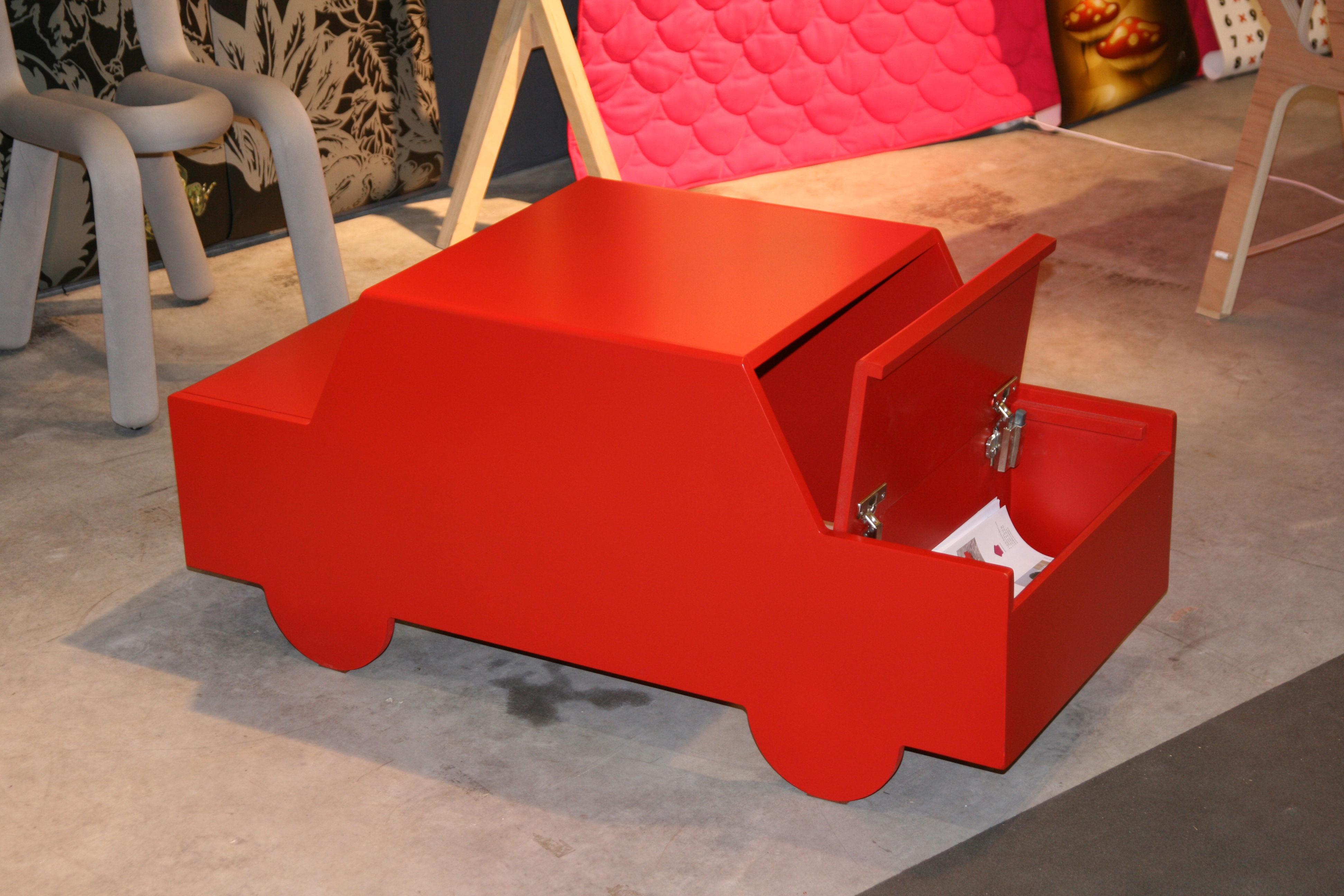 ornicar children 39 s desk car red by domestic. Black Bedroom Furniture Sets. Home Design Ideas
