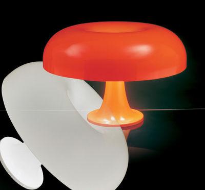 lampe de table masters 39 pieces nesso 1967 54 cm blanc artemide. Black Bedroom Furniture Sets. Home Design Ideas
