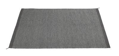 Foto Tappeto PLY / 170 x 240 cm - Tessuto a mano - Muuto - Grigio scuro - Tessuto