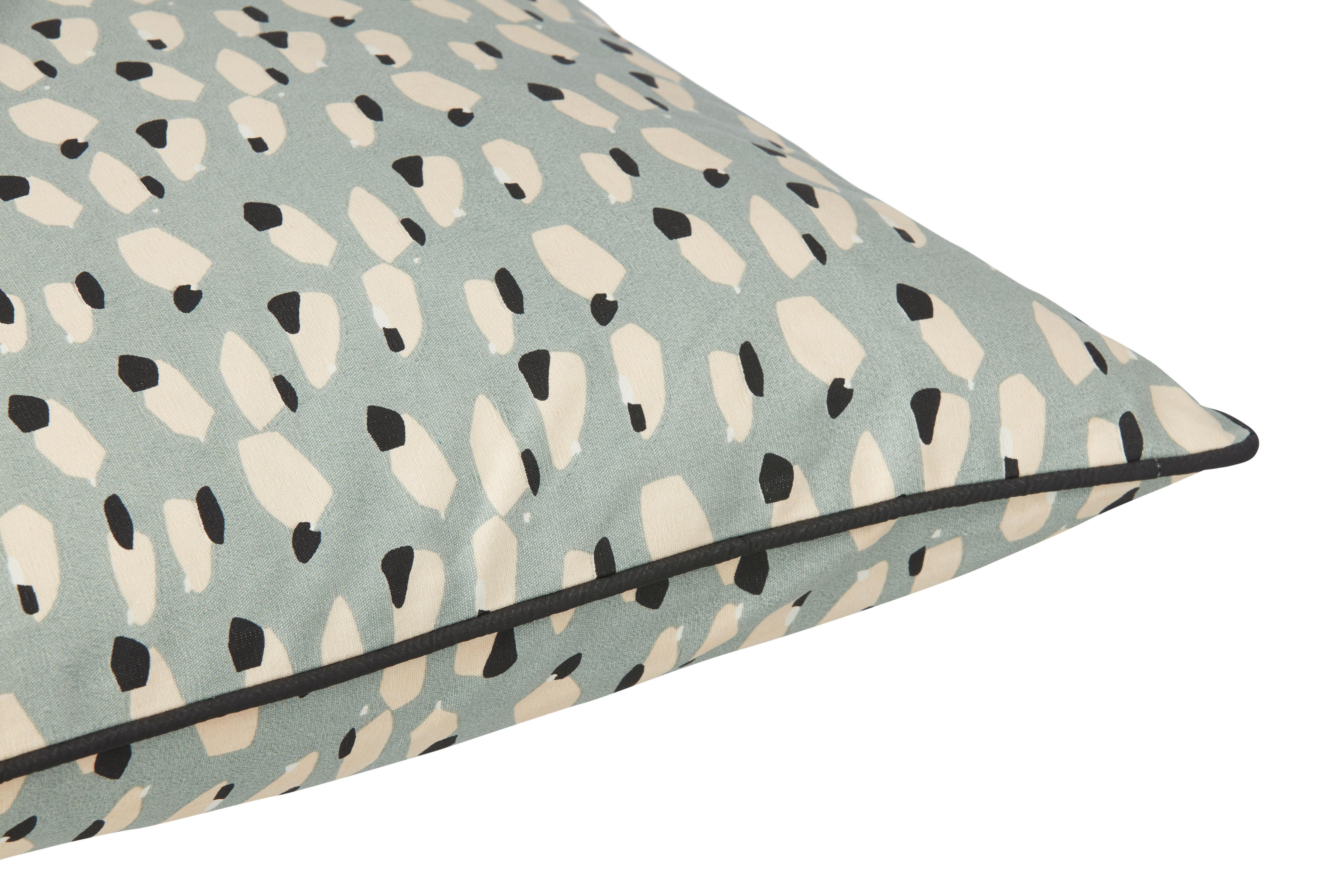 coussin spotted 50 x 50 cm dusty blue ferm living. Black Bedroom Furniture Sets. Home Design Ideas