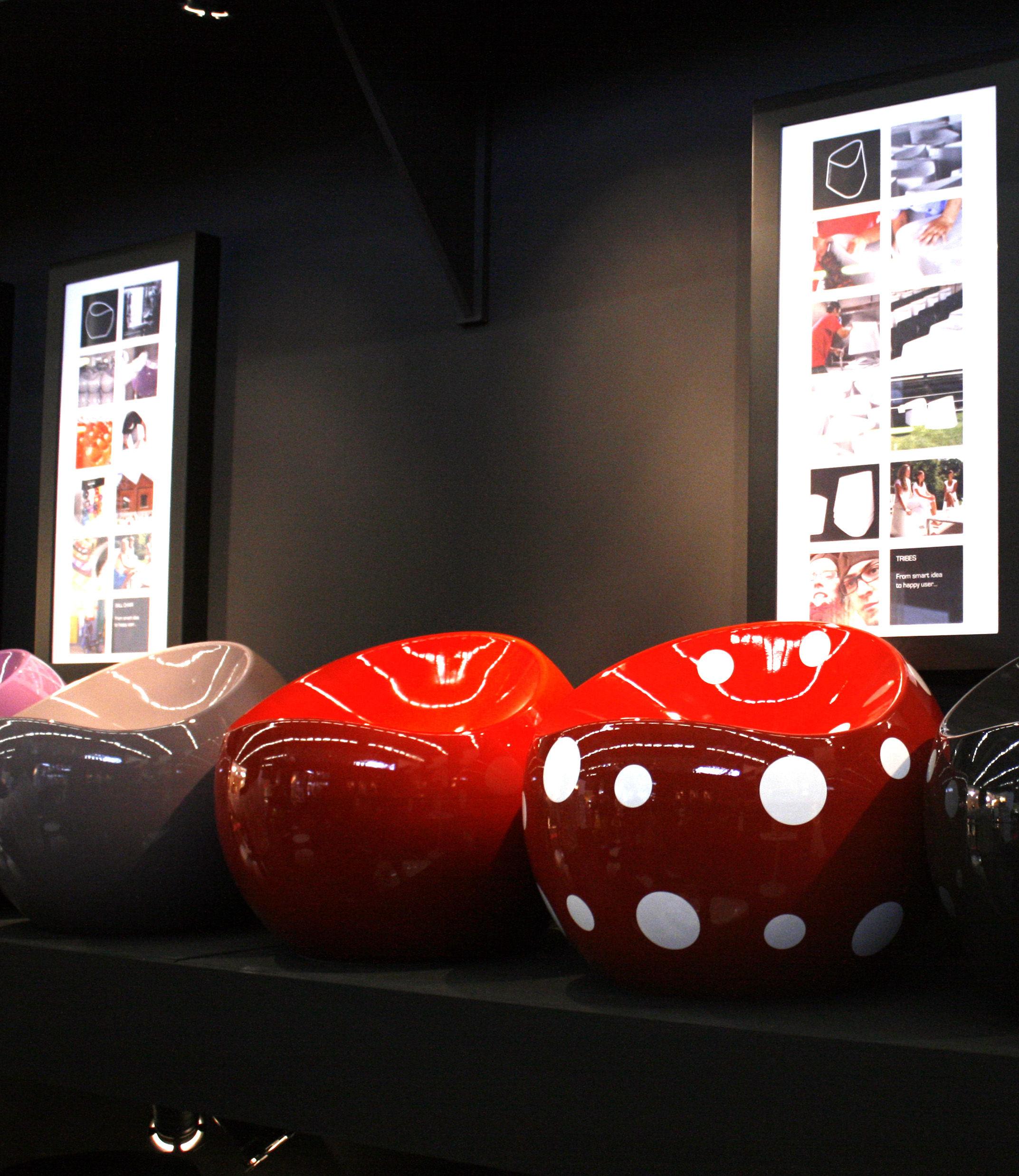 scopri pouf ball chair rosso a pois bianchi di xl boom. Black Bedroom Furniture Sets. Home Design Ideas