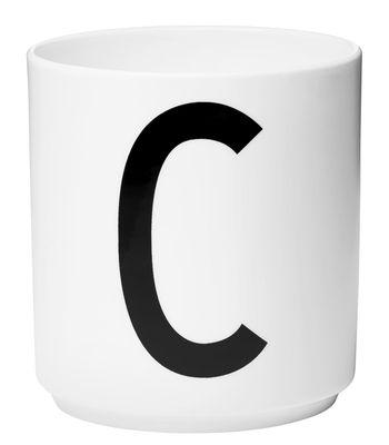 Mug Arne Jacobsen / Porcelaine - Lettre C - Design Letters blanc en céramique