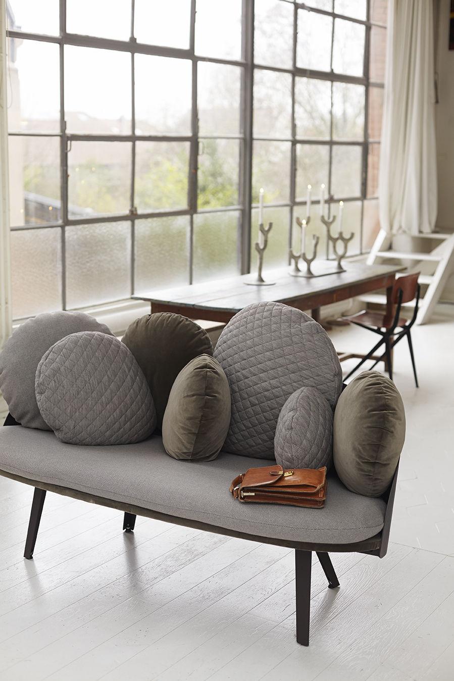 nubilo 2 sitzer l 155 cm petite friture sofa. Black Bedroom Furniture Sets. Home Design Ideas