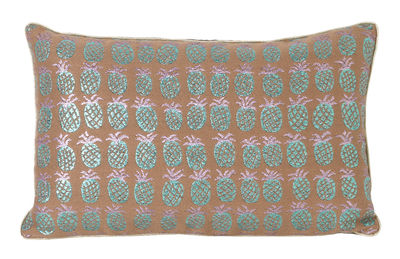 Coussin Salon - Ananas / 40 x 25 cm - Ferm Living pêche,vert irisé en tissu