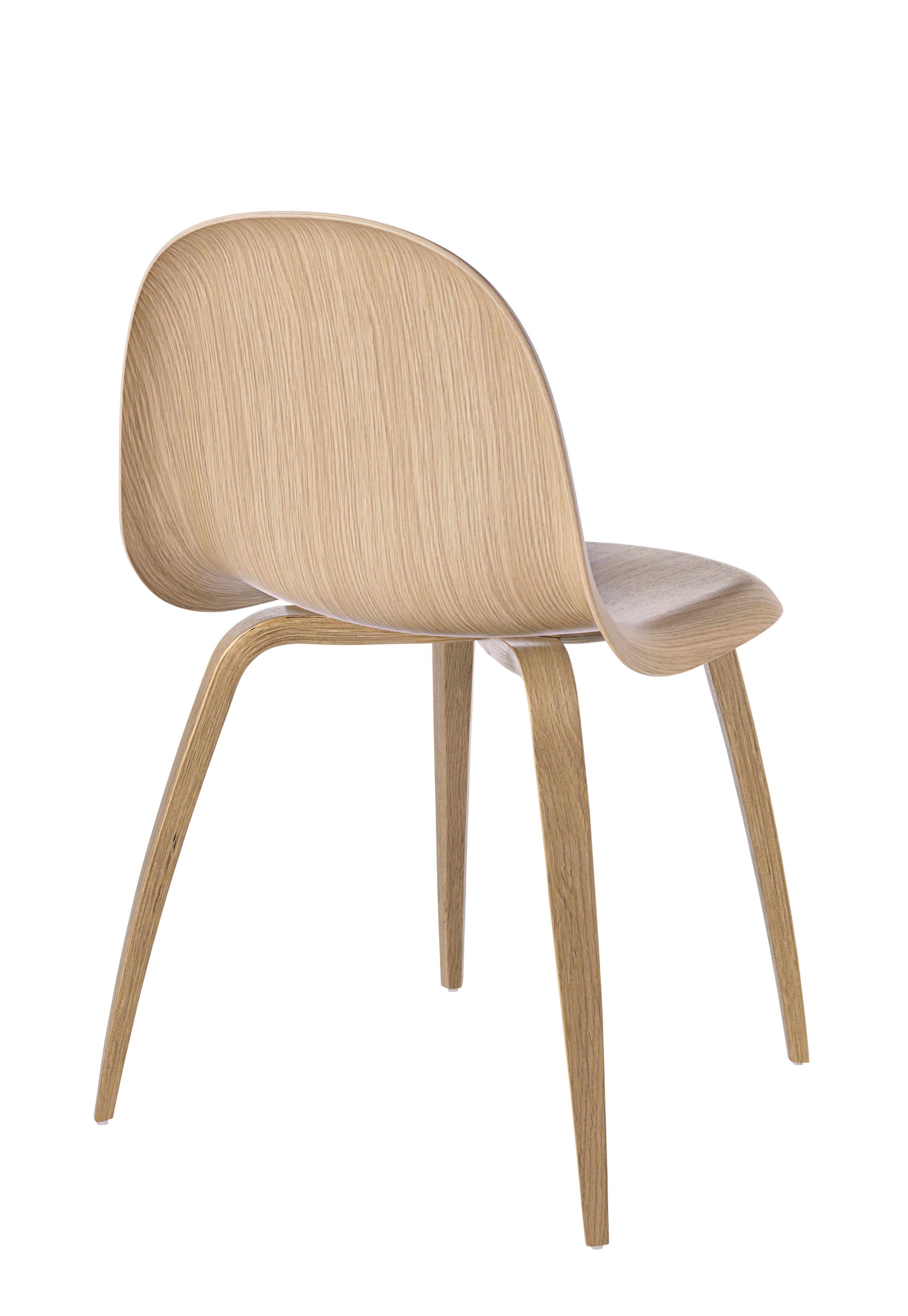 Chaise gubi 5 coque pieds ch ne coque ch ne for Chaise gubi