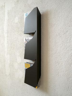 porte revues wallpress mural gris anthracite studio manzano. Black Bedroom Furniture Sets. Home Design Ideas