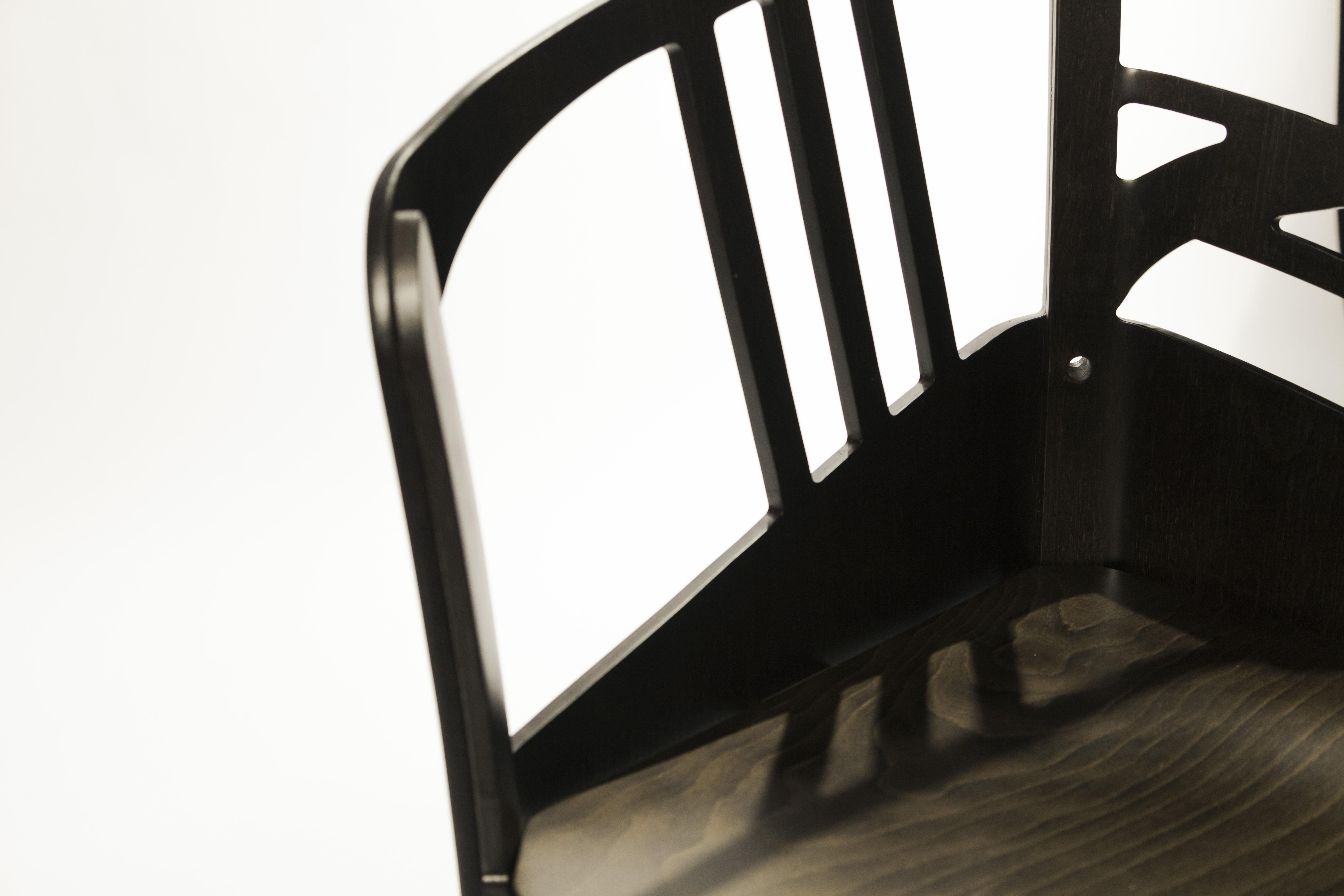 Asymmetrischer Stuhl Casamania