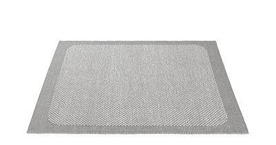 Tapis Pebble Tissé main 170 x 240 cm Muuto gris clair en tissu