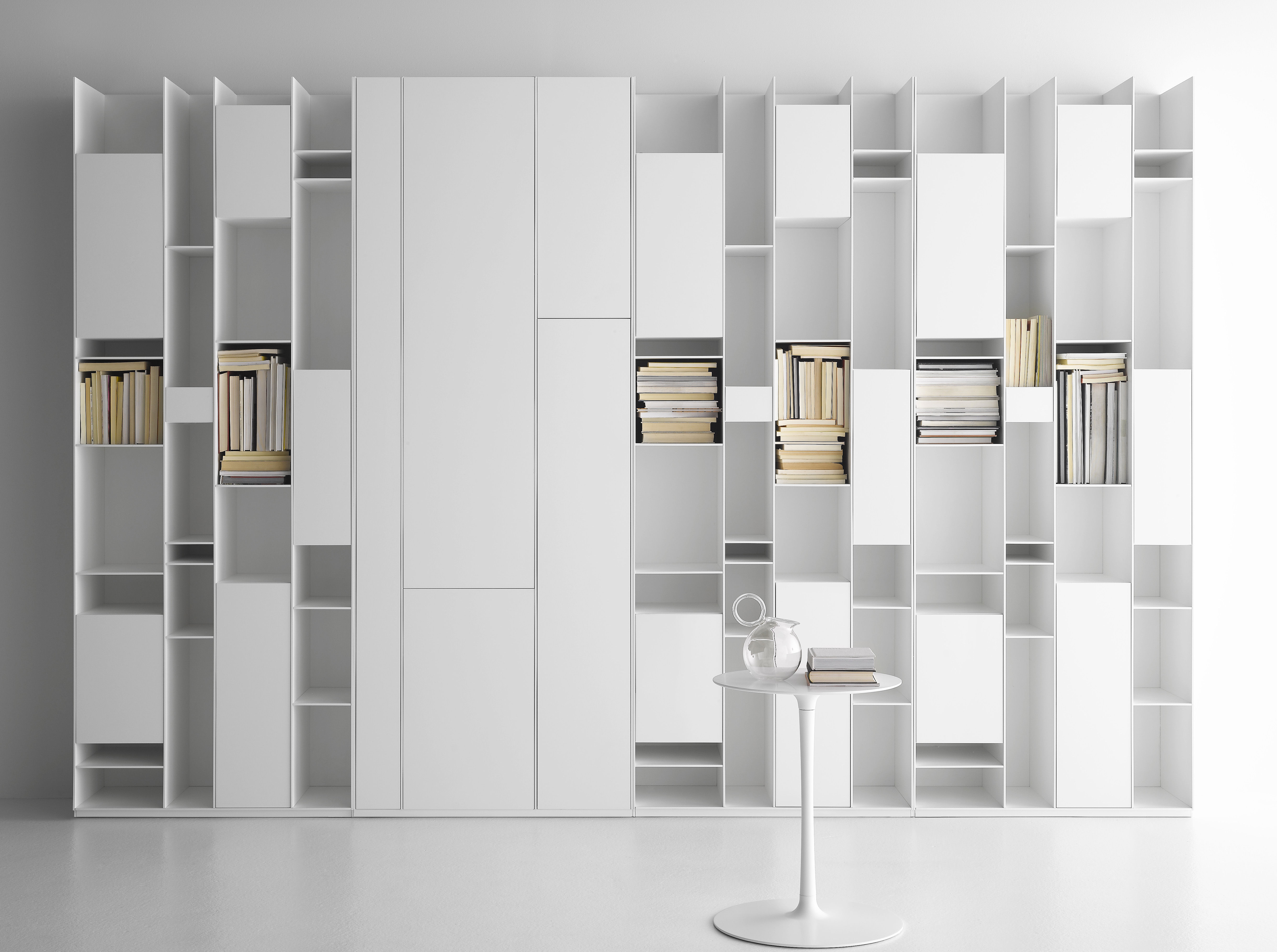 random box bookcase bookcase white lacquered by mdf italia. Black Bedroom Furniture Sets. Home Design Ideas