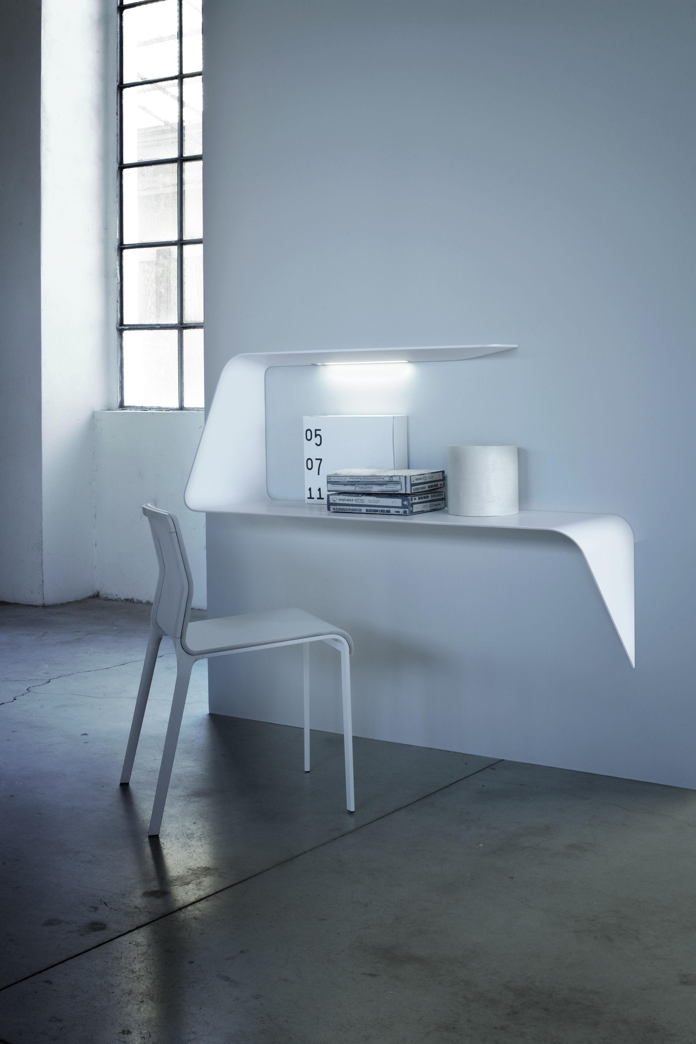bureau mamba tag re angle droite l 135 x h 93 cm blanc angle droite mdf italia. Black Bedroom Furniture Sets. Home Design Ideas