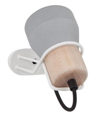 Luminaire - Appliques - Applique avec prise Cement Wood / H 15 cm - Spécimen Editions - Blanc / Diffuseur béton et bois - Acier peint, Béton, Hêtre