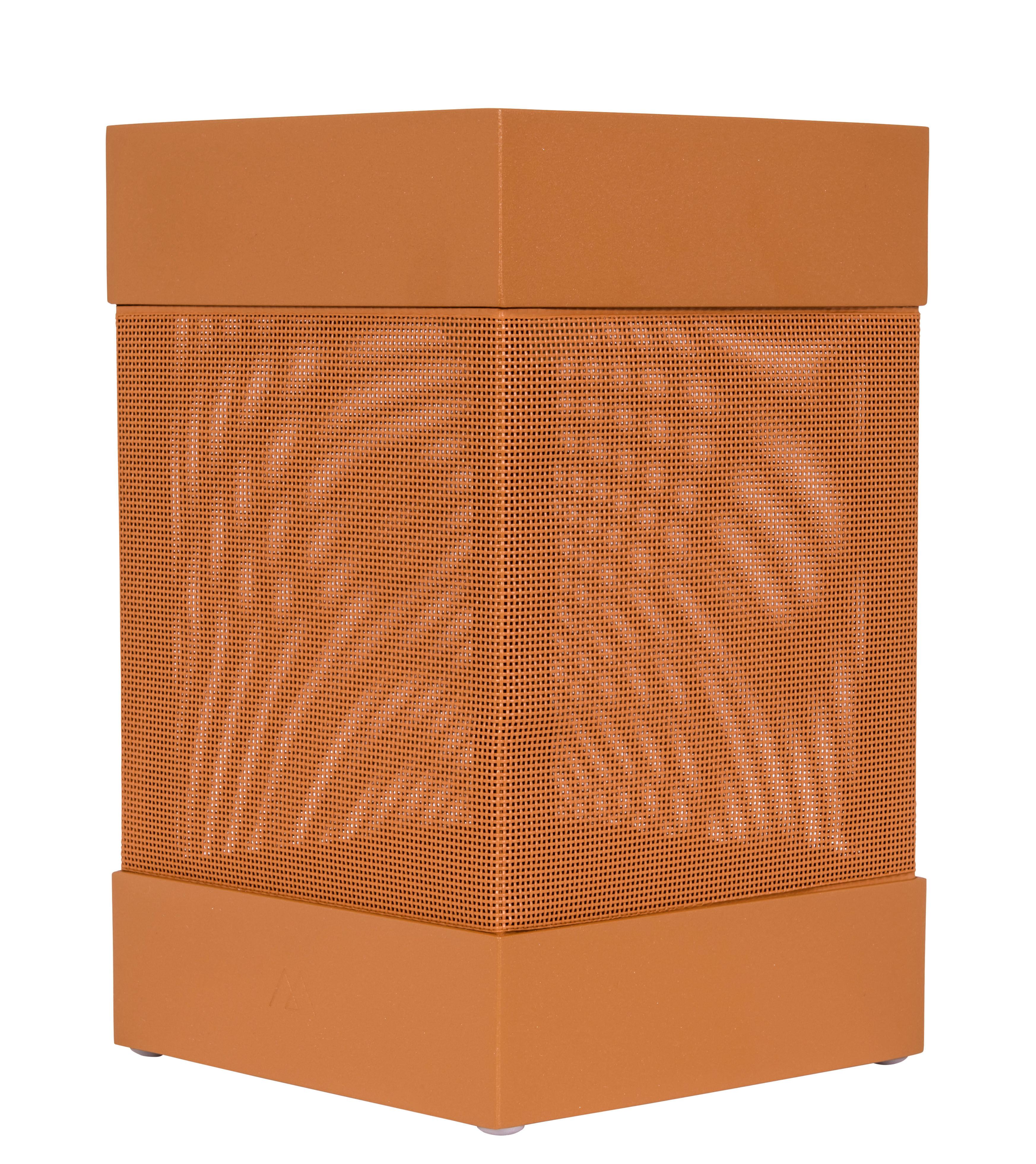 la lampe pose 03 solar lamp saffron by maiori. Black Bedroom Furniture Sets. Home Design Ideas