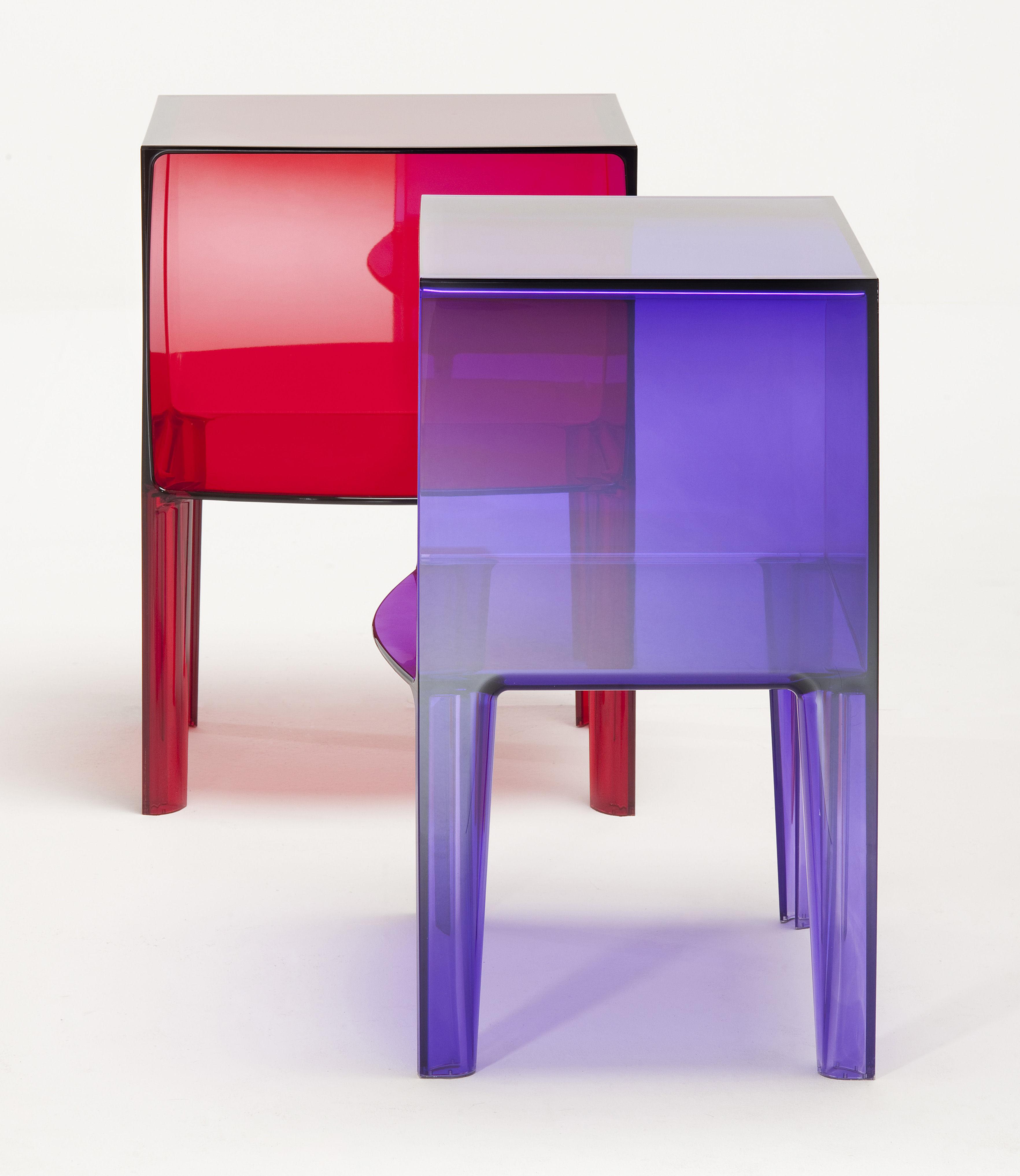 Table de chevet small ghost buster cristal kartell for Mini table de chevet