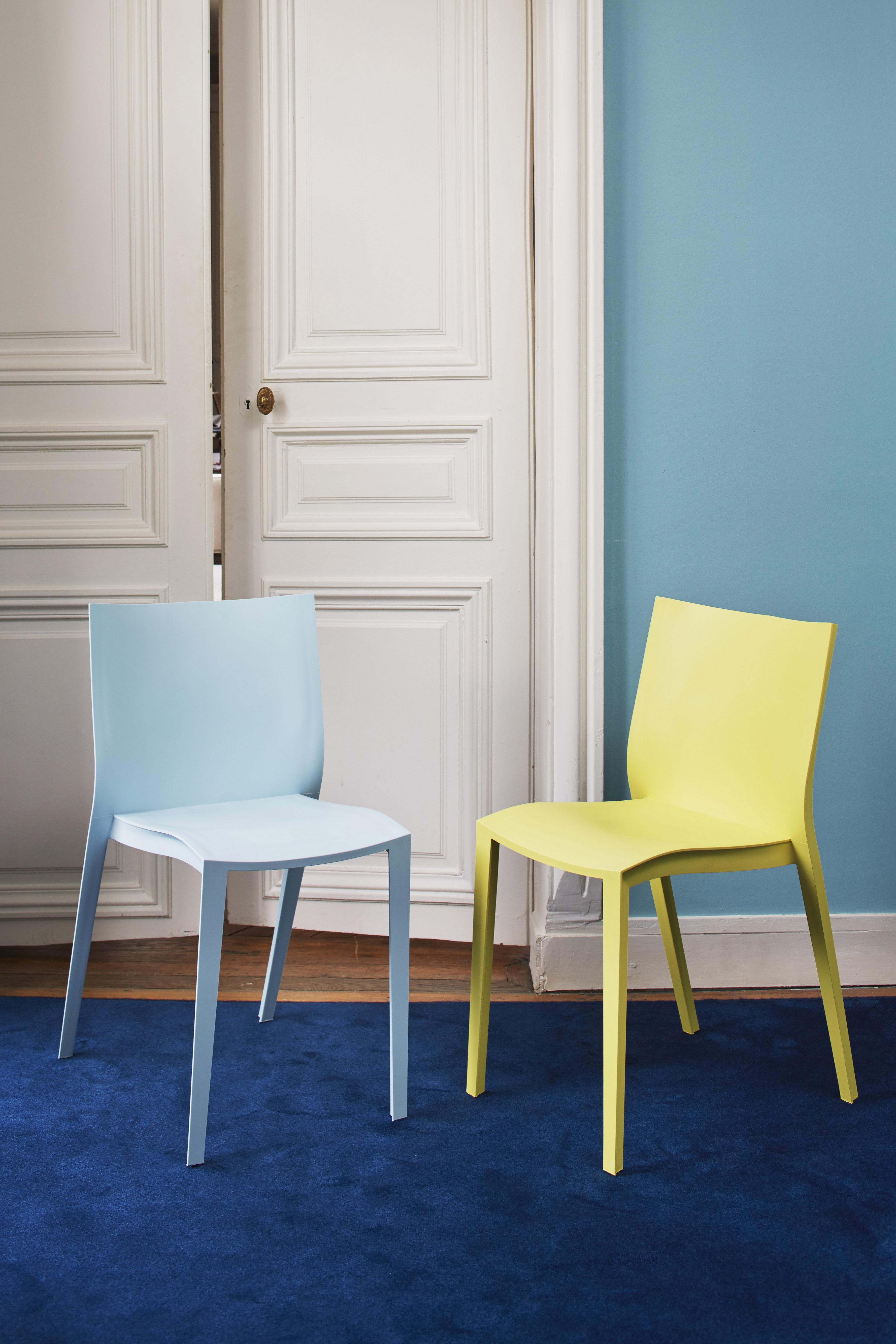 slick slick stapelbarer stuhl von philippe starck anisgr n by xo made in design. Black Bedroom Furniture Sets. Home Design Ideas