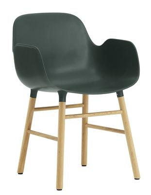 Poltrona Form - / Gambe in rovere di Normann Copenhagen - Verde,Rovere - Materiale plastico