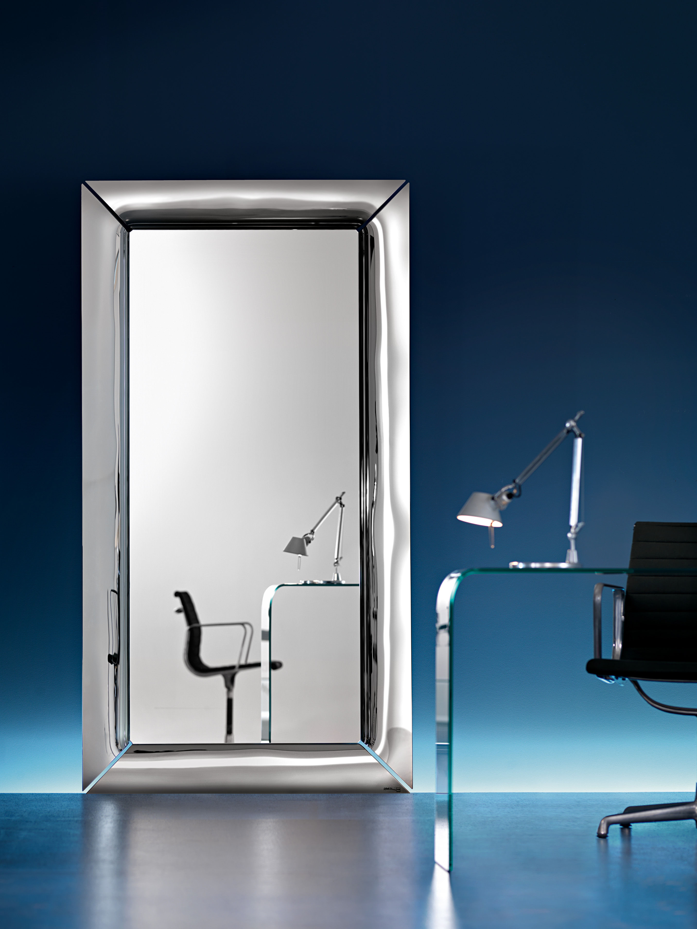 Caadre free standing mirrors silver by fiam for Miroir collable