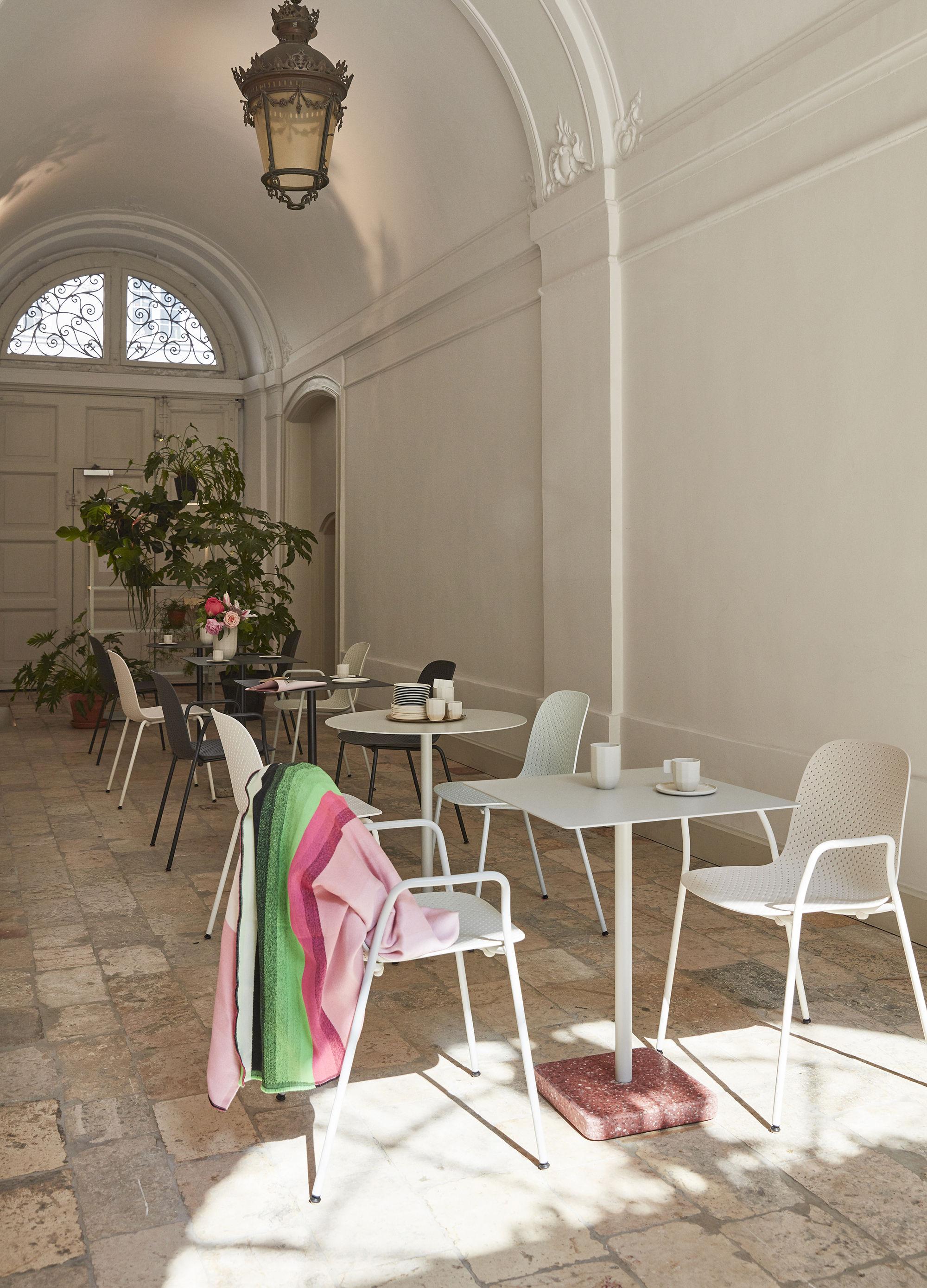 13eighty kunststoff perforiert hay stapelbarer sessel. Black Bedroom Furniture Sets. Home Design Ideas
