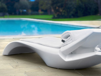 Chaise longue Zoe dossier inclinable Blanc - MyYour on chaise sofa sleeper, chaise recliner chair, chaise furniture,