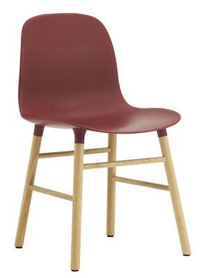 Foto Sedia Form - / Gambe in rovere di Normann Copenhagen - Rosso,Rovere - Materiale plastico