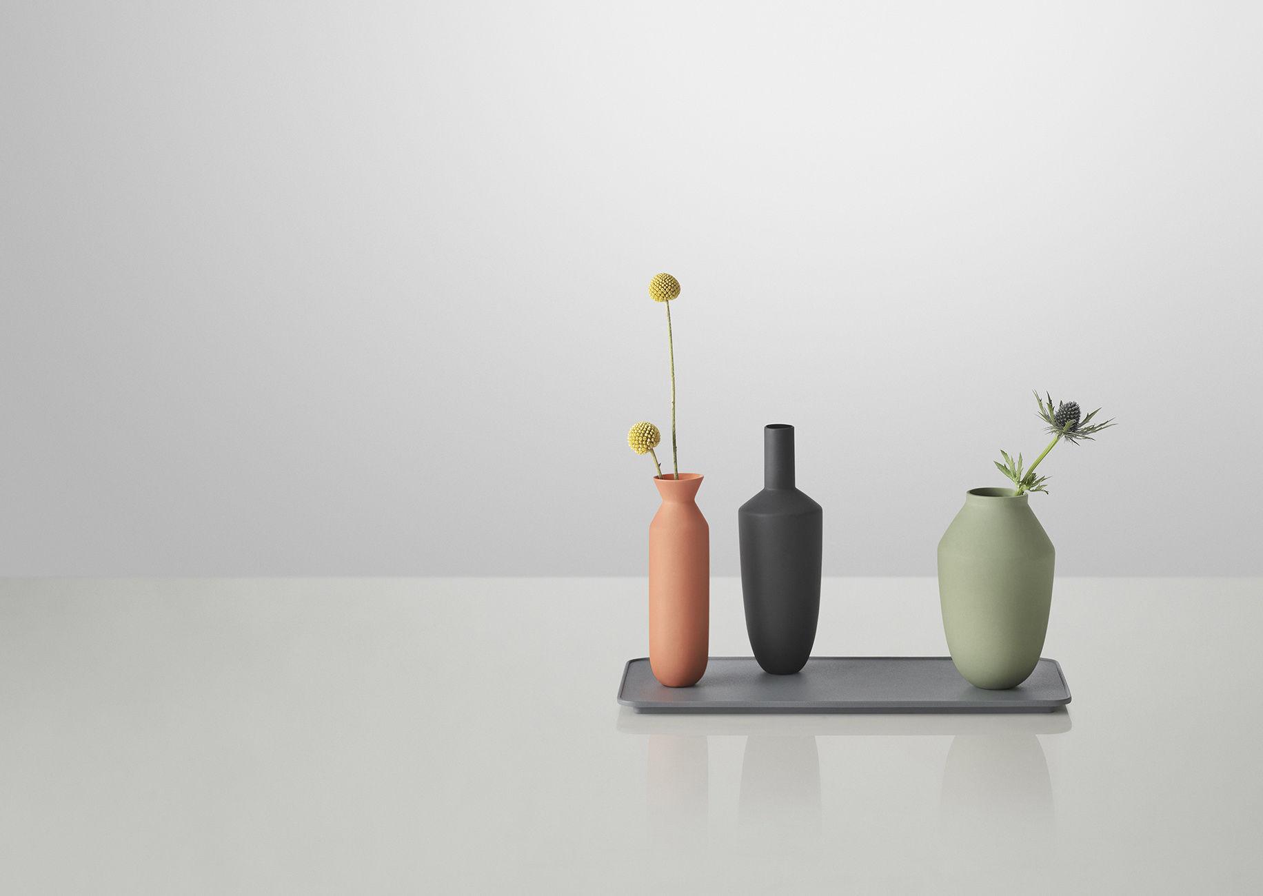 Vase balance set plateau 3 vases aimant s vases mandarine vert noir plateau gris muuto - Koziol balances ...
