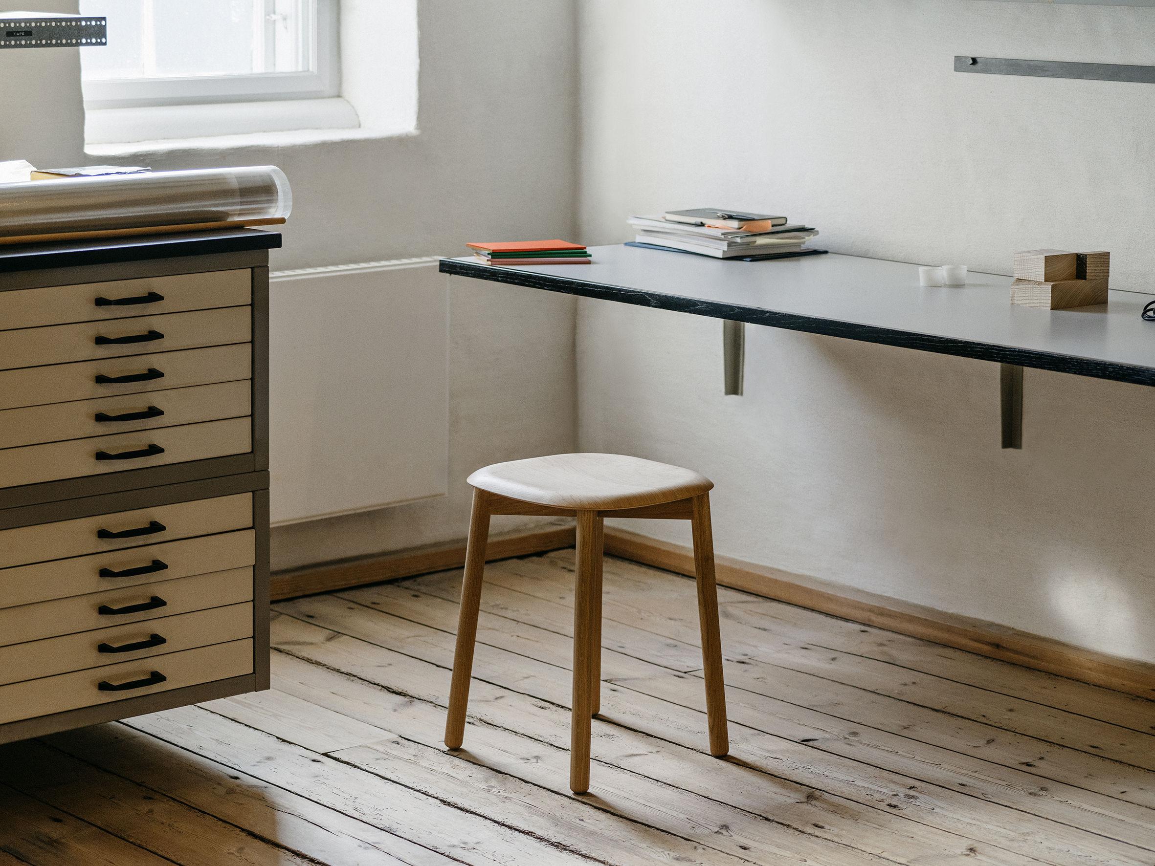 soft edge 72 h 47 cm holz hay hocker. Black Bedroom Furniture Sets. Home Design Ideas
