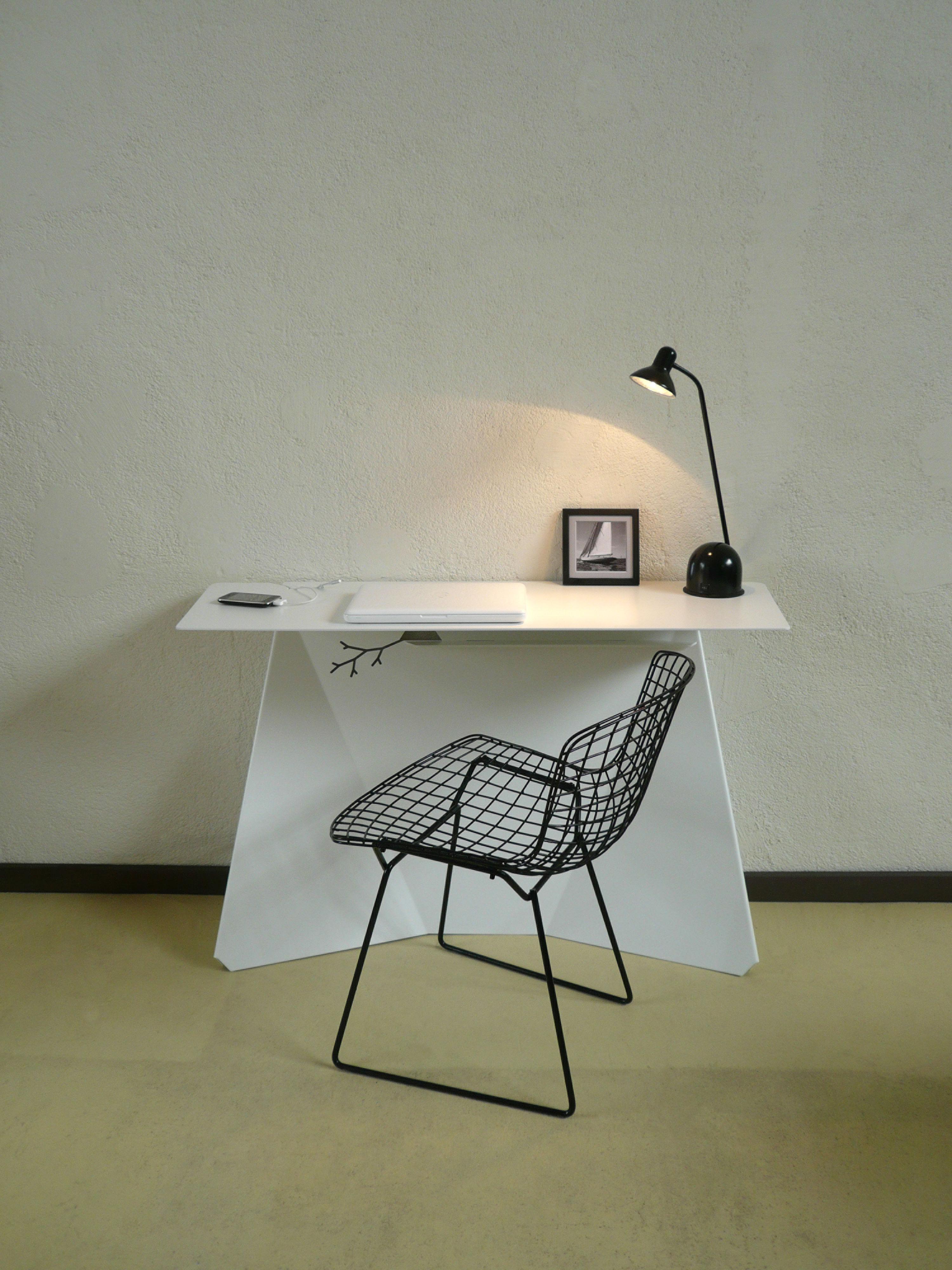 bureau zeta gris anthracite studio manzano. Black Bedroom Furniture Sets. Home Design Ideas