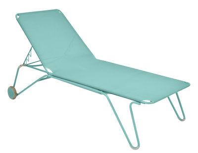 Bain de soleil Harry / 4 positions - Roues - Fermob bleu lagune en métal