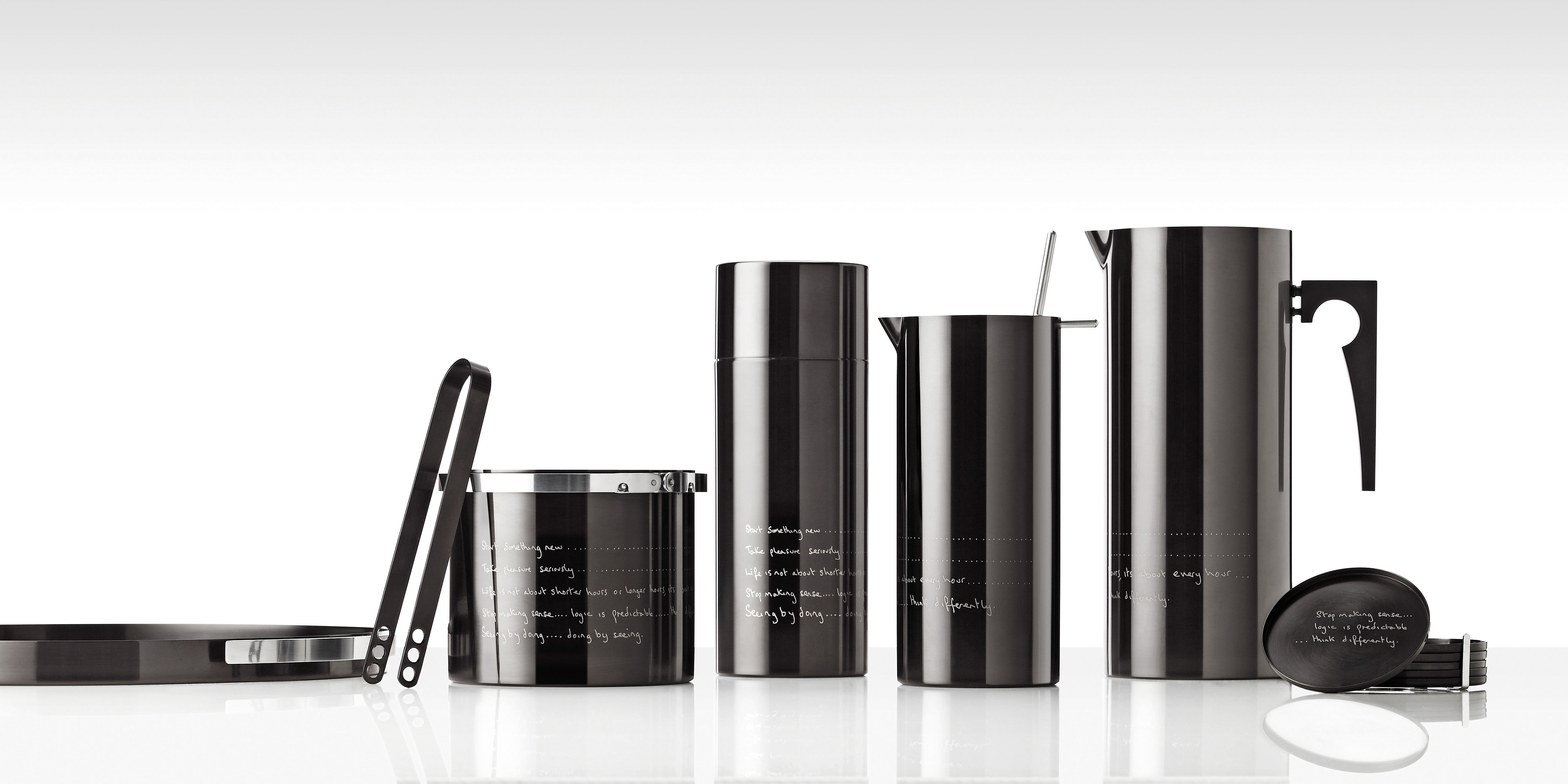 statement by paul smith shaker cocktailshaker shiny black by stelton. Black Bedroom Furniture Sets. Home Design Ideas
