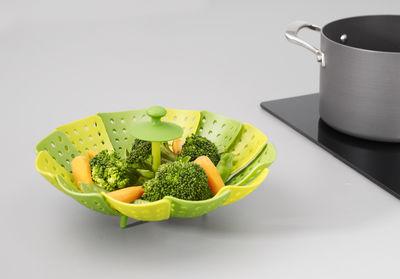Panier vapeur lotus vert vert clair joseph joseph - Ustensile de cuisine joseph joseph design ...