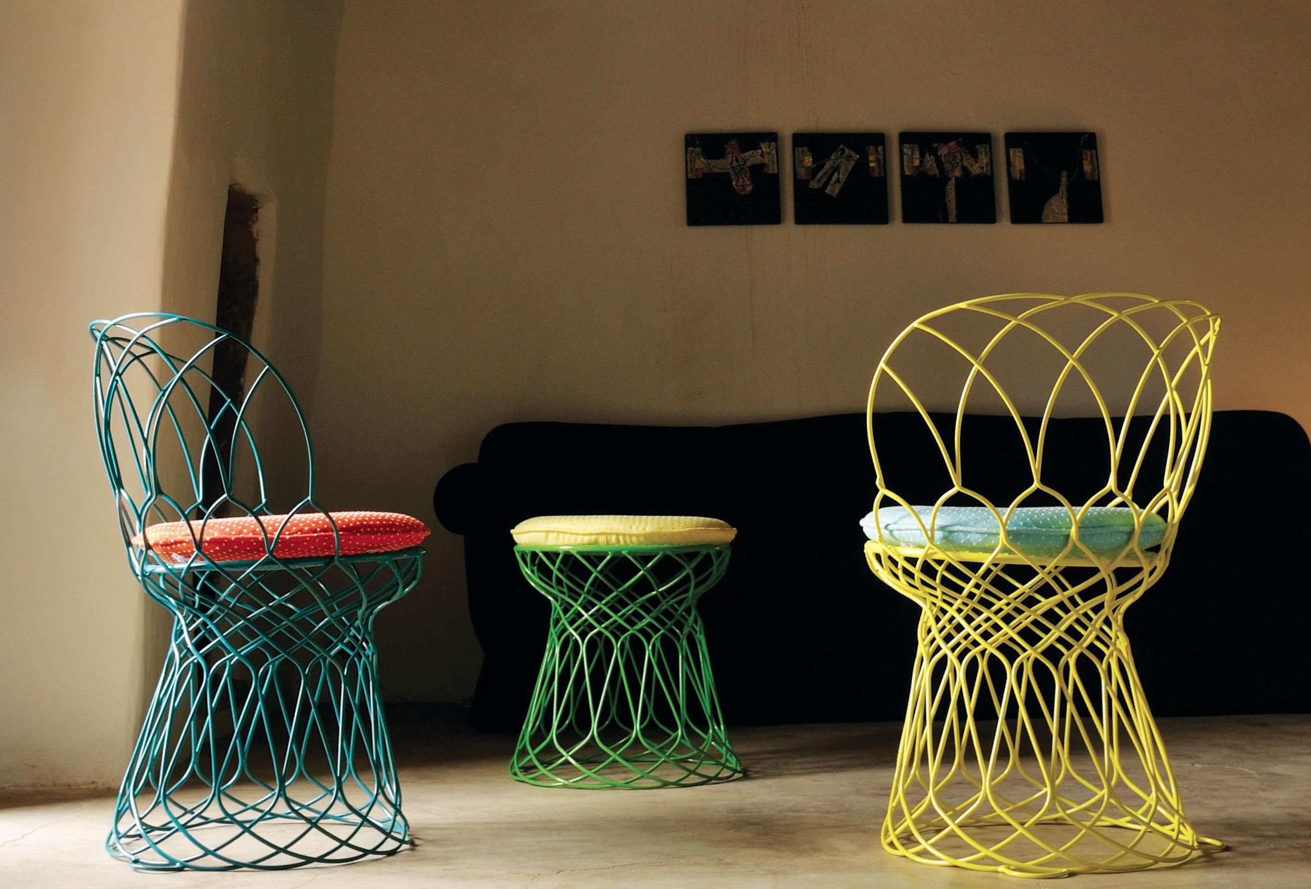 Re trouv pouf bianco by emu made in design for Divanetti per giardino economici