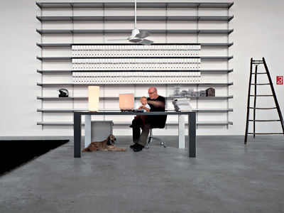 fifty zum ausziehen kristalia tisch. Black Bedroom Furniture Sets. Home Design Ideas