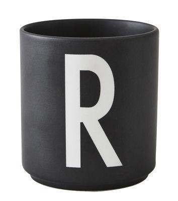 Mug Arne Jacobsen / Porcelaine - Lettre R - Design Letters noir en céramique