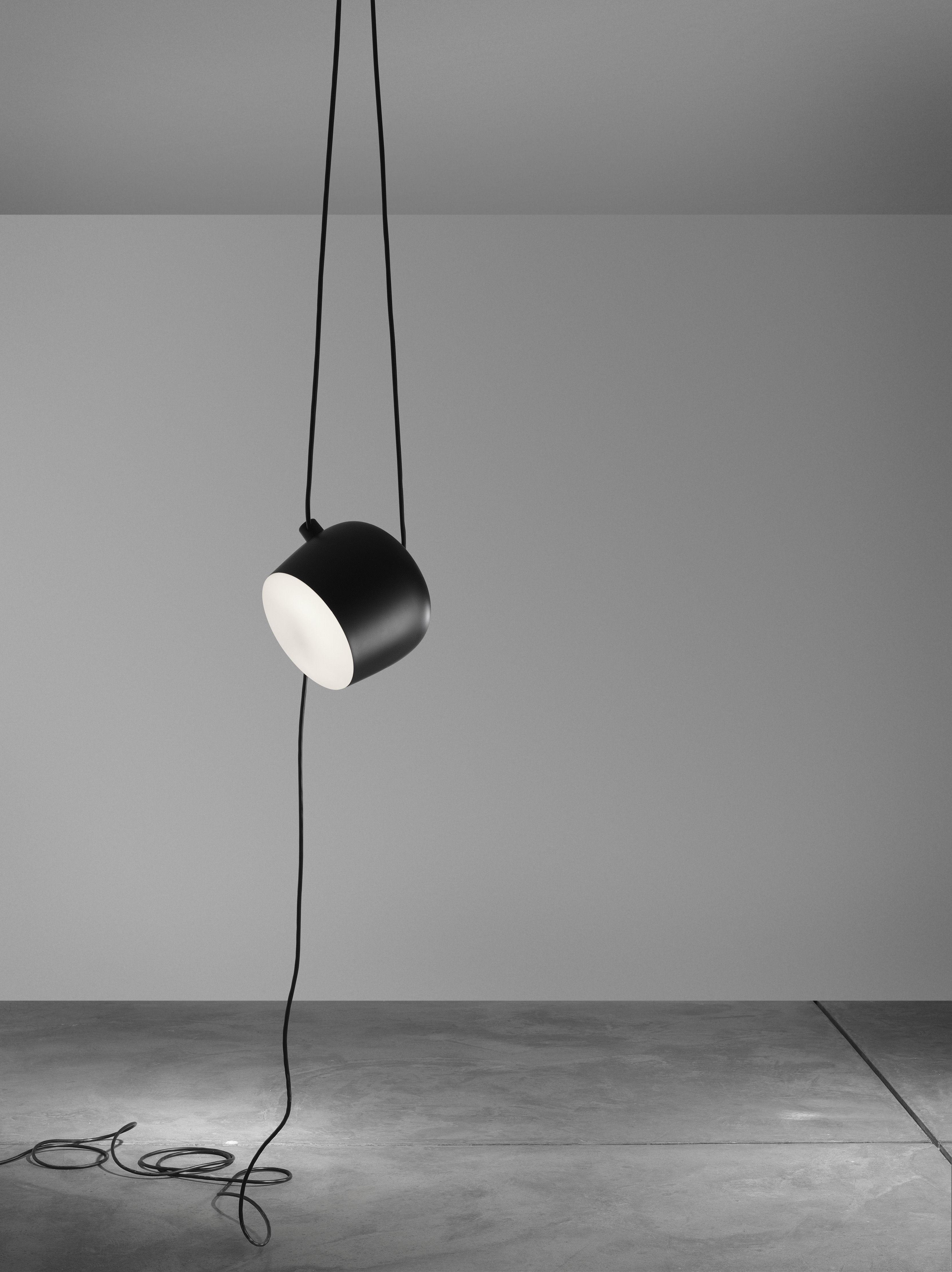 aim led lampe zum aufh ngen mit kabel und netzstecker wei by flos made in design. Black Bedroom Furniture Sets. Home Design Ideas