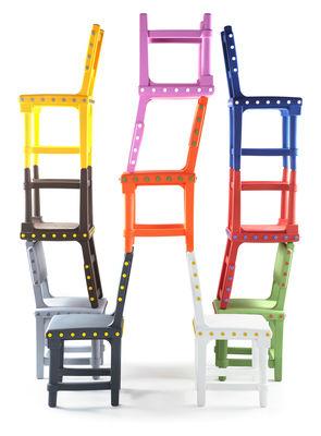 chaise gothic chair plastique marron boutons jaunes moooi. Black Bedroom Furniture Sets. Home Design Ideas
