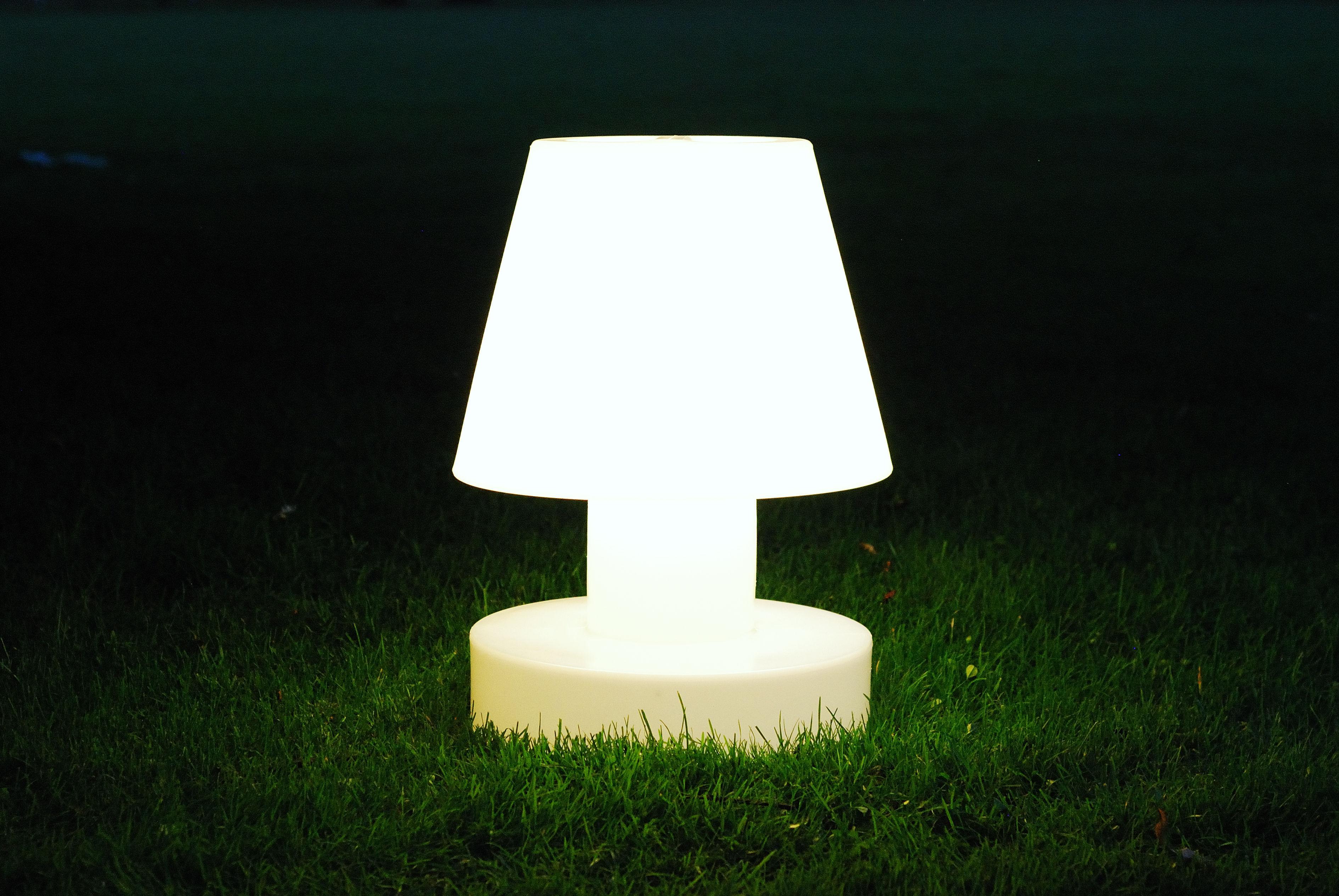 lampe poser sans fil rechargeable h 90 cm blanc bloom. Black Bedroom Furniture Sets. Home Design Ideas