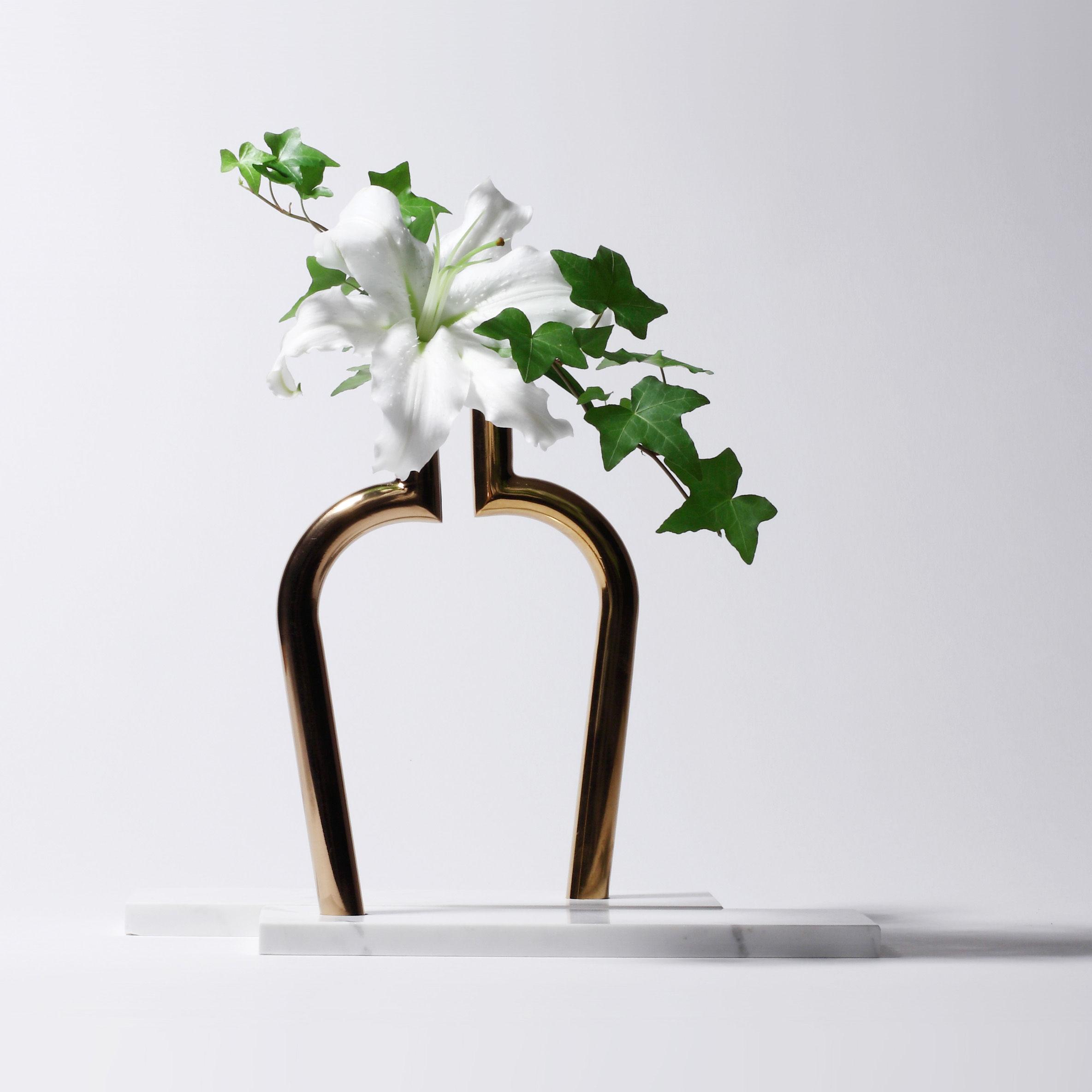 Scopri Cofanetto Designerbox#15 -/ Vaso per un solo fiore Jin Shi ...